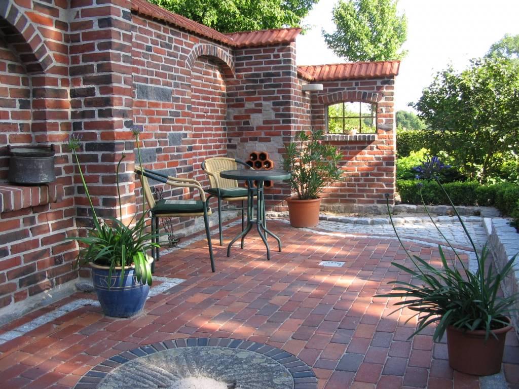 mauerkunst und zaunbau garten landschaftsbau oeltjen. Black Bedroom Furniture Sets. Home Design Ideas